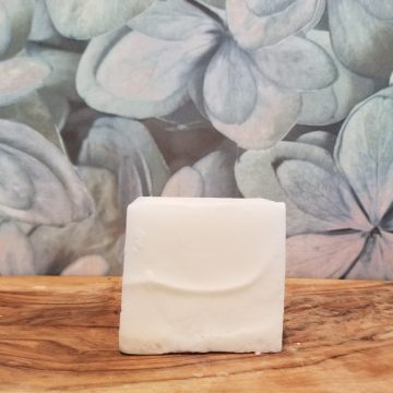 Melt & Pour Soap Bar- Shea (opaque white) 145g