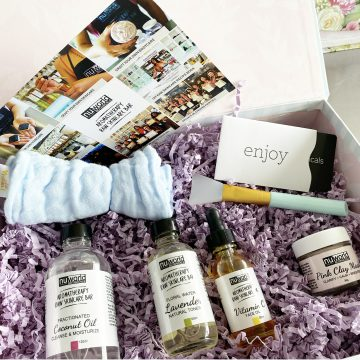 Raw-Organic Skincare Self-Care Box: Normal Skin