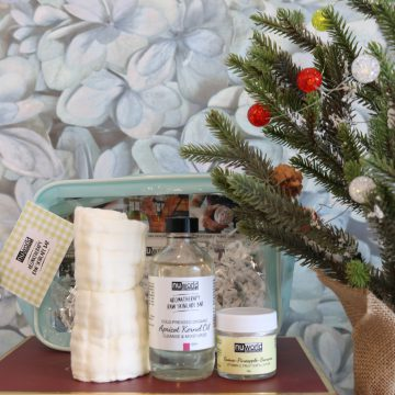 3pc Cleanse + Exfoliate Skincare Holiday Gift Set